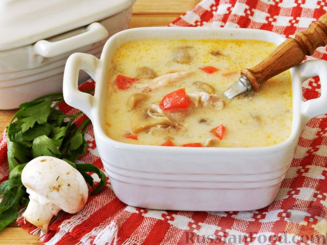 Σούπα με μανιτάρια Σαμπινιόν και κοτόπουλο, ονόματι Στρόγκανοφ