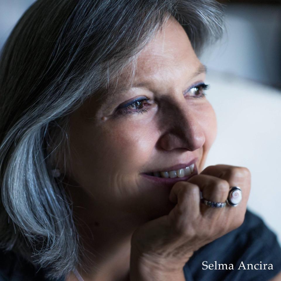 Selma Ancira: Κάθε βιβλίο είναι ένας πλούτος